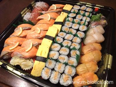 【サイト開設4周年記念】回転寿司屋の「持ち帰り寿司」とケーキ