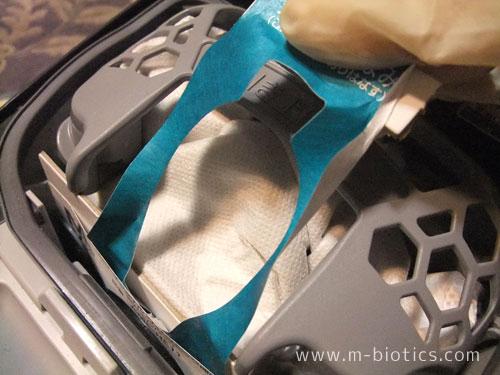 掃除機の紙パック、一ヶ月半で交換したらシャッターが機能してゴミが飛び出さなかった