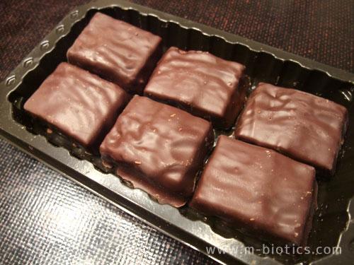 森永のラム酒チョコ「プライベイト」は、チョコとケーキを兼ねている