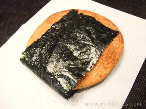 国産米使用、化学調味料無添加、喜八堂の「醤油せんべい」が、探し求めていた美味しさ。