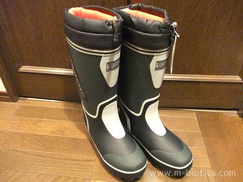雪かき用にダンロップの長靴を買う~ソックス重ね履きで大きくなった足でも入る
