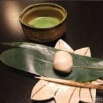 【4】あらや滔々庵で最初に出された抹茶と麩饅頭が美味しすぎた