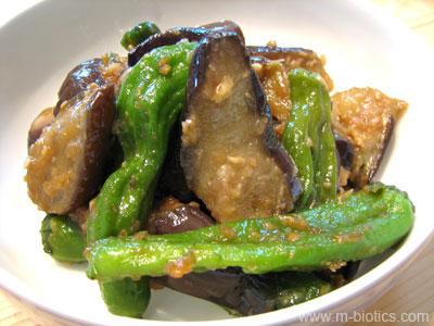 ナスとししとうのご飯がすすむ味噌炒め マクロビオティック料理
