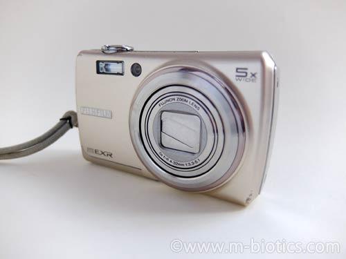 富士フイルムF200EXR