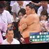 【大相撲】遠藤が土俵の下で無心に二の腕を掻く姿がちょっと可愛い【2014.7名古屋場所】