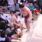 【大相撲】遠藤が、投げられて側転、その後土俵下に立つという離れ業を披露【2016.3春場所】